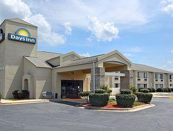 Days Inn Yadkinville, NC