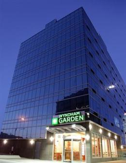 Wyndham Garden Long Island City Manhattan View Hotel