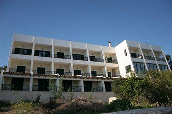 Dionysos Hotel
