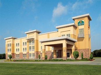 Photo of La Quinta Inn & Suites Ft. Worth - Forest Hill, TX Fort Worth