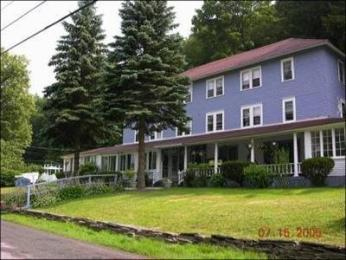 The Inn at Starlight Lake