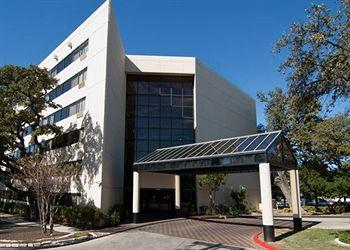 Holiday Inn Expres & Suites San Antonio East I10