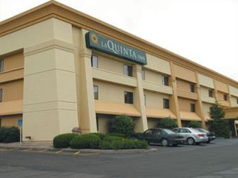 ‪La Quinta Inn Indianapolis Airport Executive Drive‬