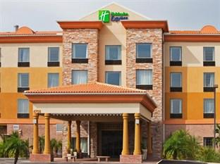 ‪Holiday Inn Express Hotel & Suites - Tampa Stadium Airport‬