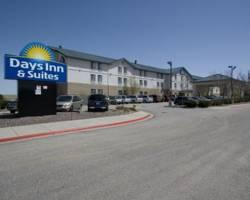 Photo of Days Inn & Suites DIA-Denver International Airport