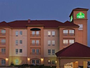 ‪La Quinta Inn & Suites Fort Worth - Lake Worth‬