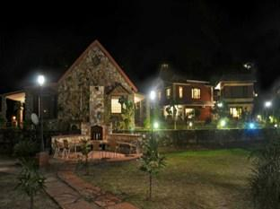 Riverstone Cottages