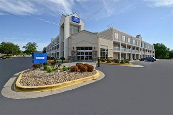 Photo of America's Best Value Inn & Suites Overland Park
