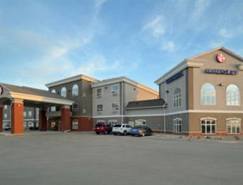 Ramada Weyburn