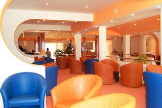 Photo of Victoria Hotel Mamaia