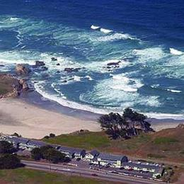 Photo of The Beachcomber Motel and Spa on the Beach Fort Bragg