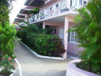 Shields Negril Villas
