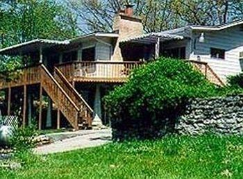 Photo of Lakeshore Bed and Breakfast Branson