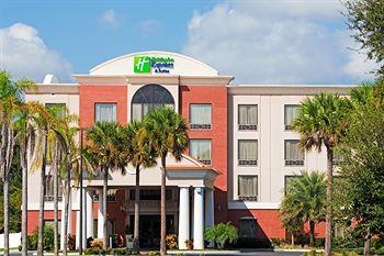 ‪Holiday Inn Express Hotel & Suites Bartow‬