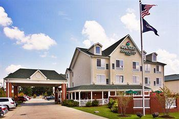 Photo of Country Inn &amp; Suites Covington