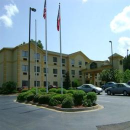 La Quinta Inn & Suites Jackson Airport