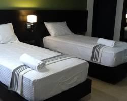 Lorenzzo Suites Hotel