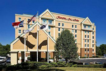 ‪Hampton Inn and Suites Charlotte - Arrowood Rd.‬
