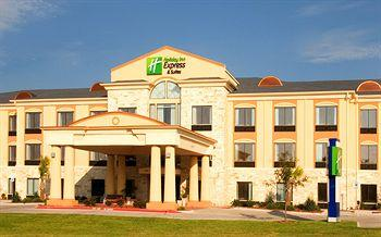 ‪Holiday Inn Express Hotel & Suites Beeville‬