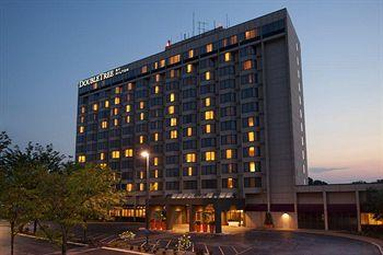 Photo of Doubletree Hotel & Conference Center St. Louis Chesterfield