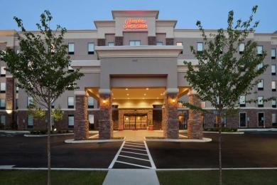 ‪Hampton Inn & Suites Roanoke Airport‬