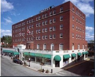 Hotel Saranac