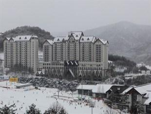 ‪YongPyong Resort Greenpia Condominium‬