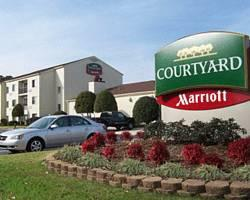 ‪Courtyard by Marriott Fayetteville‬