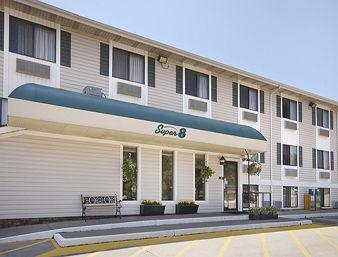 Super 8 Motel - Coralville
