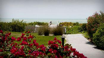 Sanibel Moorings Condo Resort