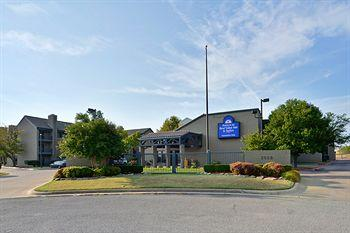 Photo of Americas Best Value Inn & Suites Tulsa