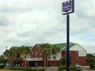 Knights Inn and Suites