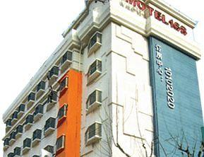 Motel 168 (Shanghai Tibet North Road)
