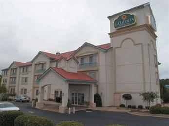 Photo of La Quinta Inn & Suites Atlanta South - Newnan