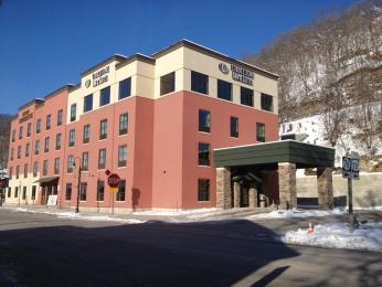Cobblestone Inn & Suites Marquette