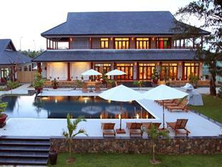 Aniise Villa Resort