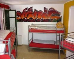 ‪Graffiti Hostel‬