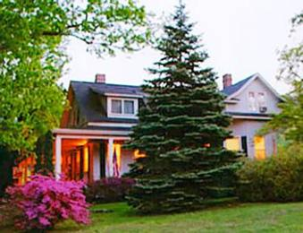 Photo of The Apple Inn Bed and Breakfast Hendersonville