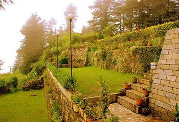 Photo of Hotel Deepwoods Shimla