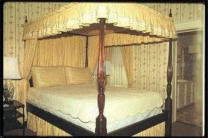 The Nob Hill Inn