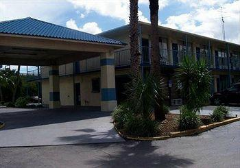 Photo of Scottish Inns & Suites Ormond Beach