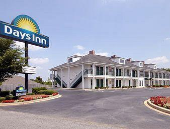 ‪Days Inn Simpsonville‬