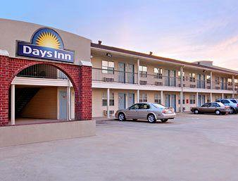 Days Inn - Terrell