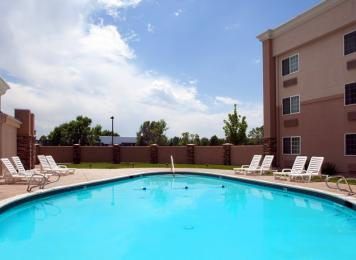 Holiday Inn Express Suites Wheat Ridge