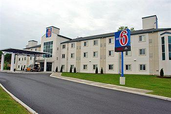 ‪Motel 6 Peterborough‬