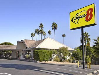 Super 8 Long Beach