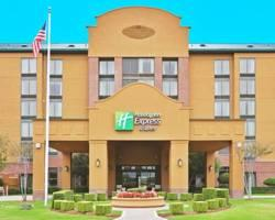 ‪Holiday Inn Express Hotel & Suites Irving North-Las Colinas‬