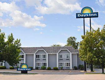 Days Inn Council Bluffs, IA 9th Avenue