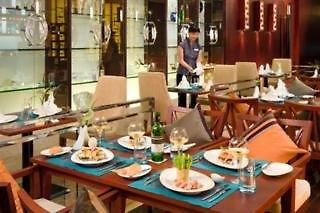 Grand Mercure Shanghai Baolong