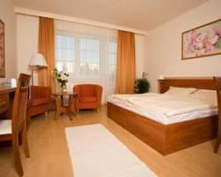 Hotel Relax Apartman Sarvar